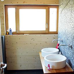 Bad im Holzhaus